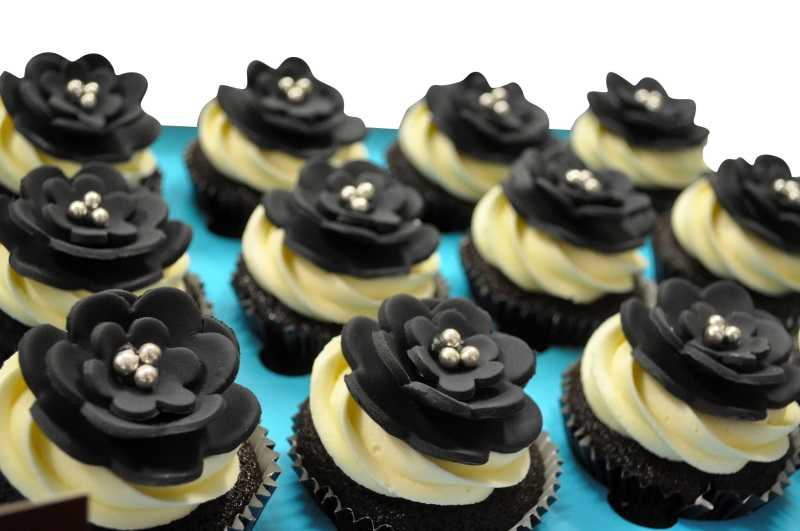 Black Flower Theme Cupcakes - Pack of 6