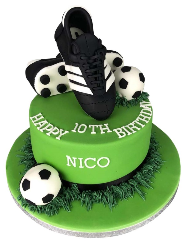 Football boots cake